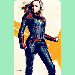 CAPTAIN MARVEL (PORTRAIT...